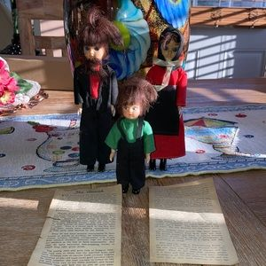Lancastee, PA Amish dolls set of 3 with paperwork